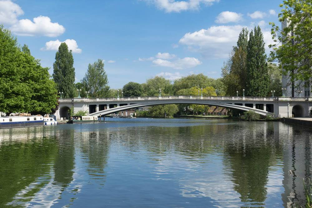 Tranquil summer River Thames scene at Reading in Berkshire, UK